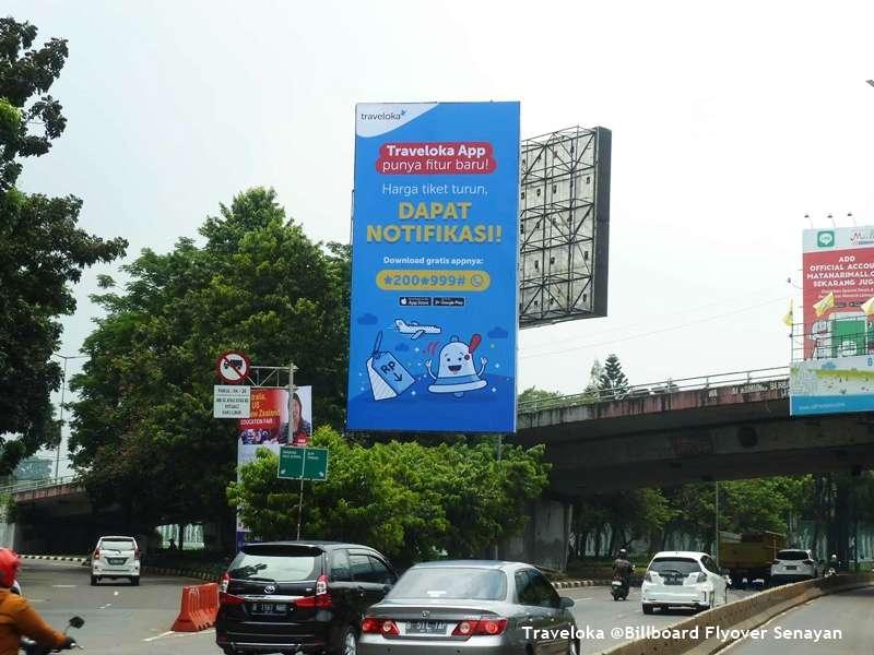 Billboard Traveloka at Flyover Senayan