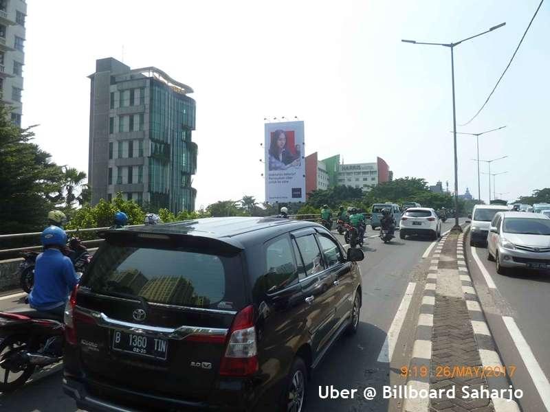 Uber Saharjo
